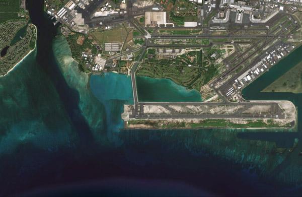 Google Earth image of Honolulu airport.